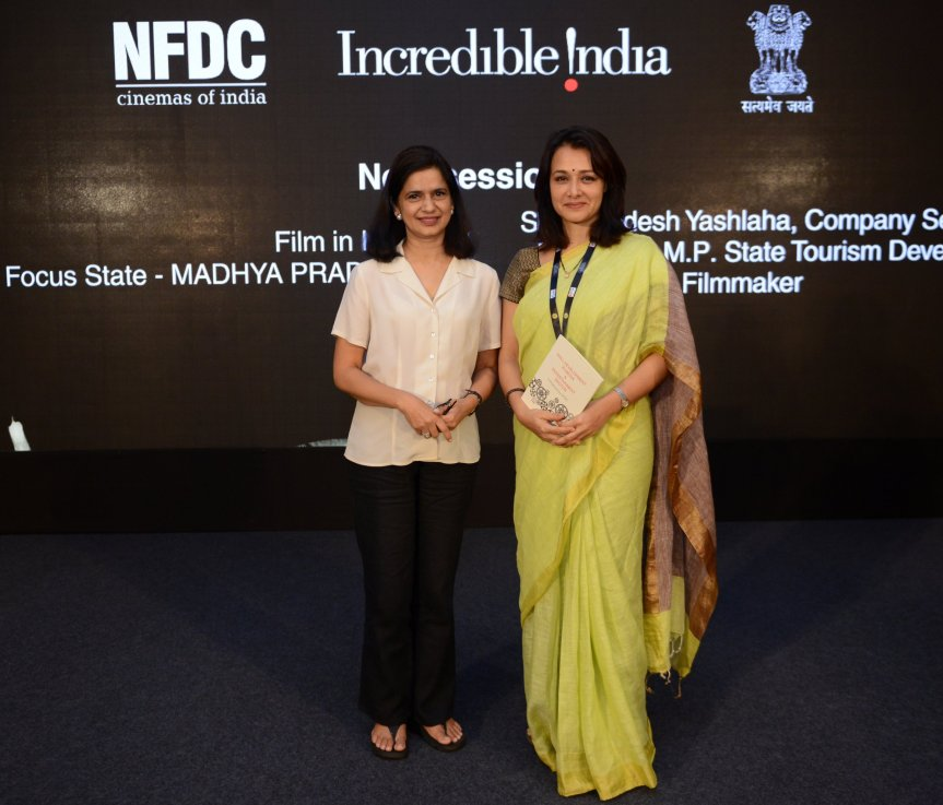 Nina Gupta_Amala Akkineni (2)