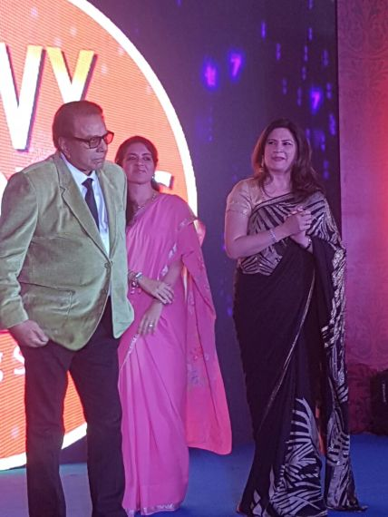 Dhamendra , Kanika at SAVVY honours