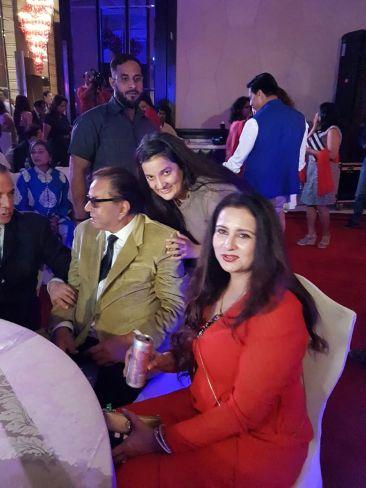 Dharmendra , Poonam Dhillon, Priyanka Raina at SAVVY HONOURS